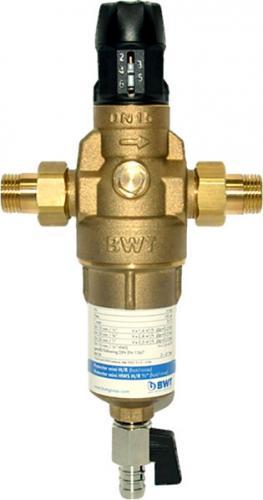 Фильтр для горячей воды с прямой промывкой и редуктором давления BWT Protector mini H/R HWS