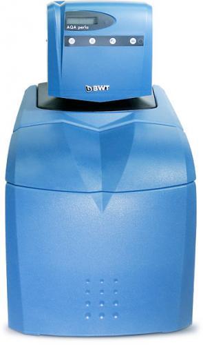 Одноколонный умягчитель воды с управлением по водосчетчику AQA perla SE